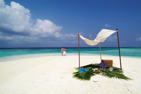 Coco Bodu Hithi dream beach