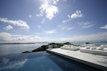 Eagles Nest - Amazing view from infinity edge pool of Villa Rahimoana